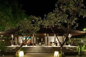 Sudamala Suites & Villas Senggigi Lombok - Eksterior