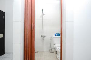 Airy Pasar Baru Selat Panjang 11 Medan - Bathroom