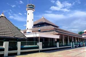 Sofyan Inn Grand Kalimas - Hotel Halal Nyamplungan - Masjid Sunan Ampel