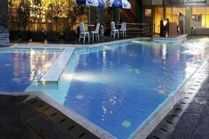 Kedaton Hotel Bandung - Swimming Pool