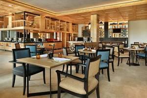 Royal Tulip Gunung Geulis Resort and Golf Bogor - Restoran