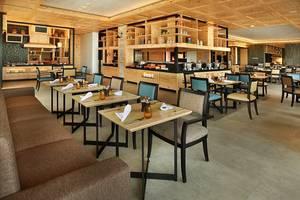 Royal Tulip Gunung Geulis Bogor - LL One Restaurant