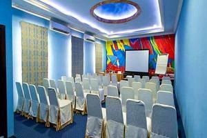 Amos Cozy Hotel Jakarta - Meeting Room
