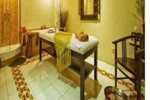 Amos Cozy Hotel Jakarta - Spa