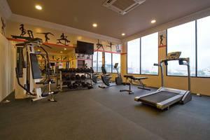 Amos Cozy Hotel Melawai - Fitness Center