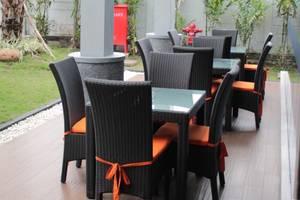 News Hotel Surabaya - Resto and Cafe