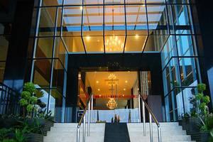 Merapi Merbabu Hotel Bekasi - Pintu masuk