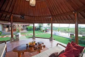 The Junno Villa Bali - Ruang Tamu