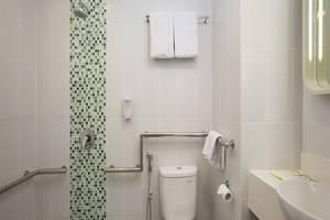 Zest Hotel Bogor - Kamar mandi