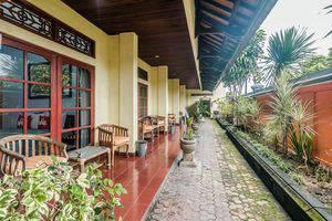 ZenRooms Tanjung Benoa Pratama 3 Bali - Teras