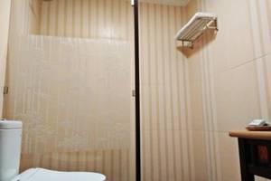 Arsela Hotel Pangkalan Bun Kotawaringin Barat - Kamar mandi
