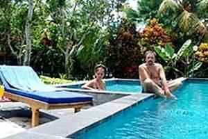 Agung Trisna Bungalow Bali - Kolam Renang
