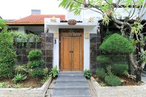 Donata House