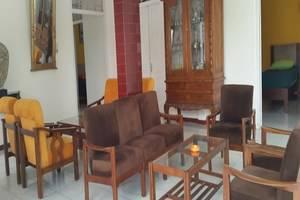 Putra Jaya Hotel Yogyakarta - Ruang tamu