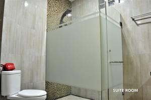 ZEN Rooms Fatmawati Jakarta - Suite Bathroom 3