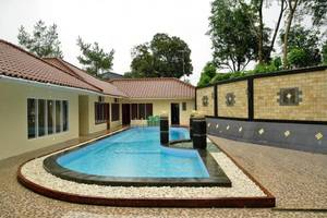 RCK Resort Puncak - Swimming Pool