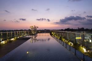 Hotel Santika Seminyak - swimming pool