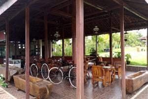 Green Inn & Resort Solo - Interior