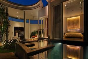 Taman Mesari Luxury Villas Seminyak - Kolam Renang Lihat taman mesari