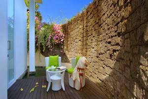 Taman Mesari Luxury Villas Seminyak - Pemandangan Kolam Renang