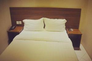 Hotel Mustika Tanah Abang Jakarta - Standard Double Room, No Windows