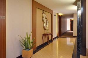 The Axana Hotel Padang - lorong
