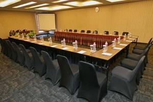 The Axana Hotel Padang - meeting room