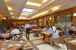 The Axana Hotel Padang - resto6