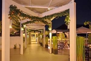 The Axana Hotel Padang - rooftop
