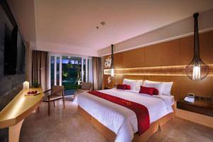Golden Tulip Bay View Hotel Bali - Deluxe Pemandangan Kolam