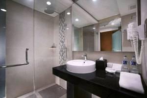 Golden Tulip Bay View Hotel & Convention Bali - Kamar mandi