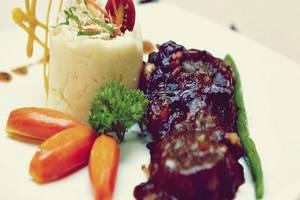 Grand Serpong Hotel Tangerang - Food