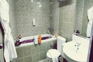 Grand Serpong Hotel Tangerang - Bathroom Spa