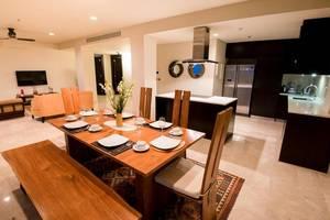 Ayana Residences Bougainvillea 3B Bali - Meja Makan