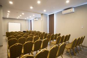 Maple Hotel Grogol Jakarta - Meeting room