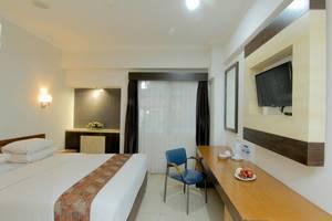 University Hotel Jogja - Room