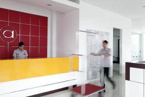 Amaris Pekanbaru - Receptionist