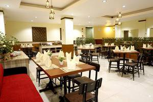 Red Chilies Hotel Solo - restaurant