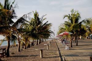 Grand Celino Hotel Makassar - PANTAI AKARENA