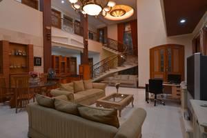 Kebagusan Indah Guest House Jakarta - Lobby