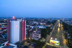 Red Planet Palembang - Eksterior