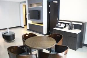 Swiss-Belhotel Balikpapan - Living Room (Business Suite)