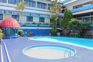 Hotel Mariat Sorong - Pool