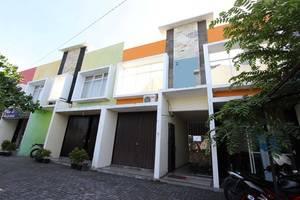 RedDoorz near Ambarukmo Plaza 2