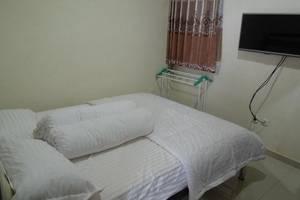 Manzila Guest House Bandung - Deluxe Room