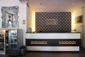 Andita Syariah Hotel  Surabaya - Reception