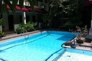 Hotel Indah Palace Yogyakarta - Kolam Renang