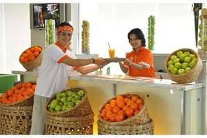 HARRIS Hotel Tebet Jakarta - Lounge dan Bar