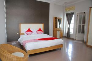 OYO 1098 Rego Hotel