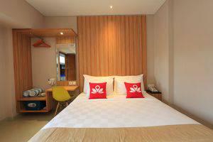 ZenRooms Ubud Raya Andong 2 Bali - Tampak tempat tidur double